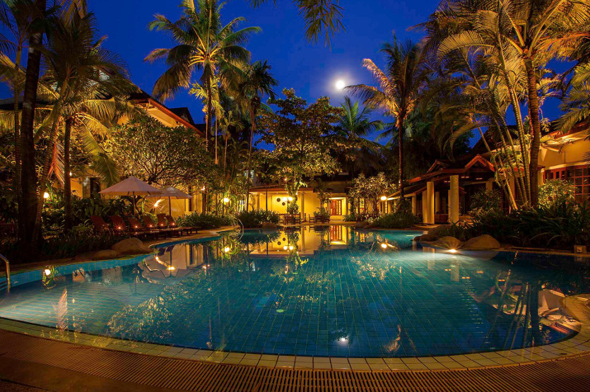 Luxury colonial hotel in vientiane settha palace hotel for Luxury hotels in laos