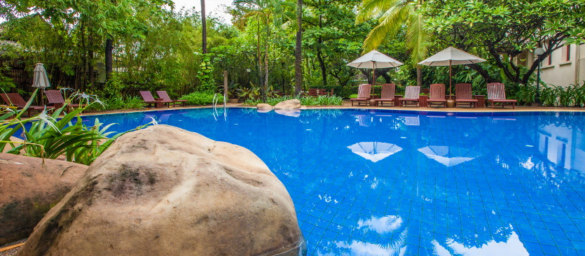 About settha palace luxury colonial accomodation in - Settha palace hotel swimming pool ...