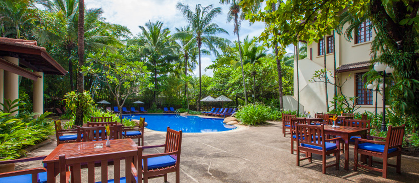 Poolside dining international cuisine settha palace - Settha palace hotel swimming pool ...